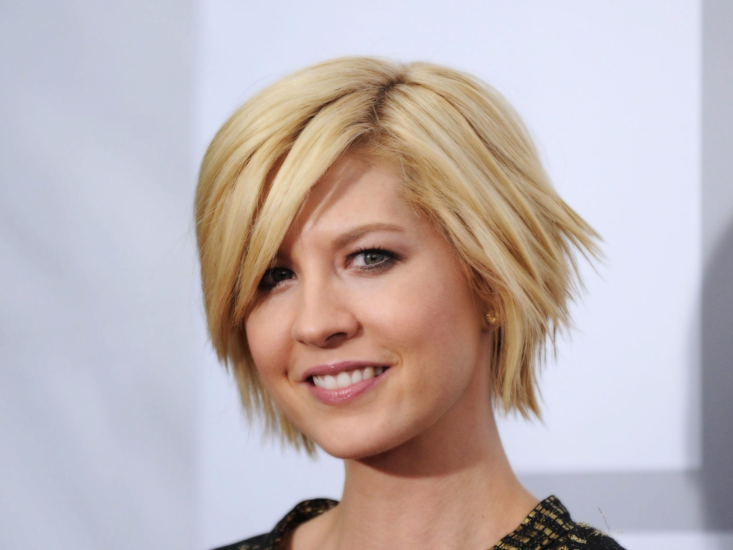 Jenna Elfman To Guest Star On Royal Pains Mxdwn Television