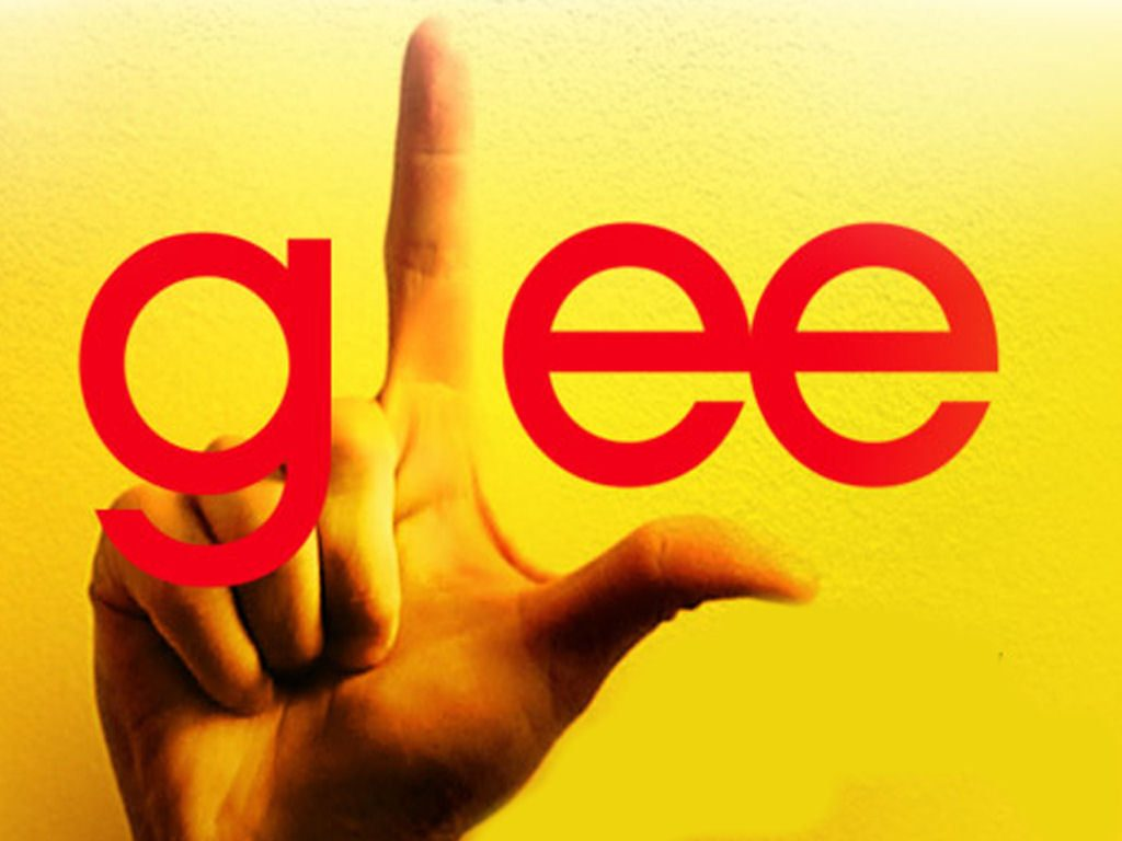 Glee-tfw-the-friends-whatever-8033256-1024-768