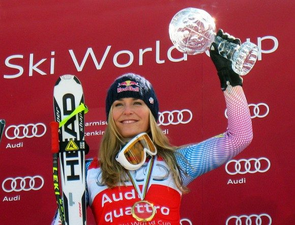 785px-Lindsey_Vonn_wins_World_Cup_Downhill_globe_2010