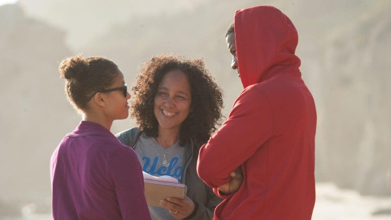 Prince-Bythewood with Mbatha-Raw and Parker on the set of 'Beyond the Lights'
