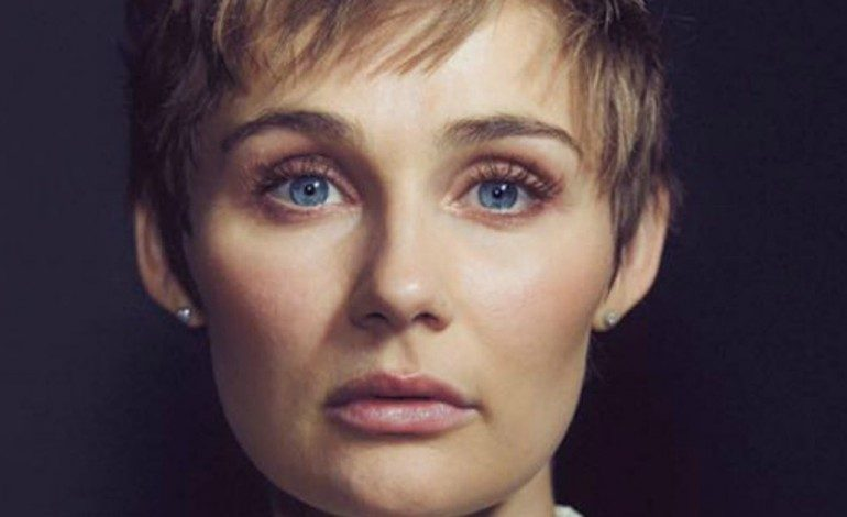 """Nashville"" Star Clare Bowen Cuts Hair in Inspirational Gesture"