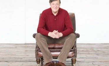 Stephen Fry Joins CBS Comedy Pilot 'The Great Indoors'