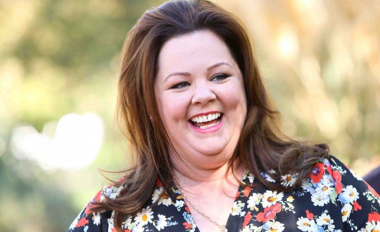"Melissa McCarthy Confirms She's Returning to ""Gilmore Girls"""