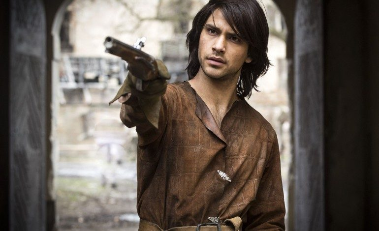Luke Pasqualino Set To Star In Crackle's 'Snatch'