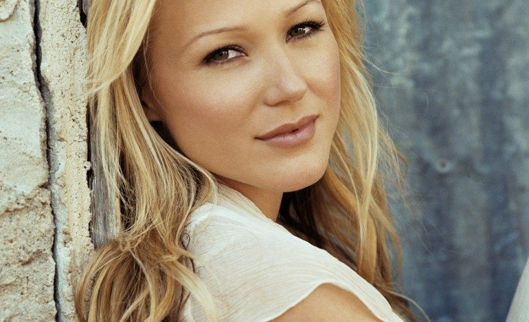 Jewel to Appear on Discovery Channel's 'Alaska: The Last Frontier'