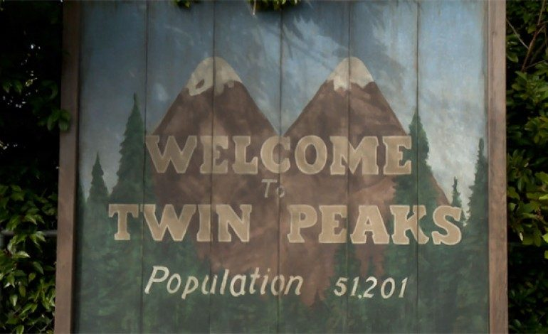 Showtime Subscribers Can Watch the First Two Seasons of 'Twin Peaks' Over the Holidays