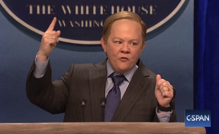 Melissa McCarthy Surprises on 'SNL' as Sean Spicer