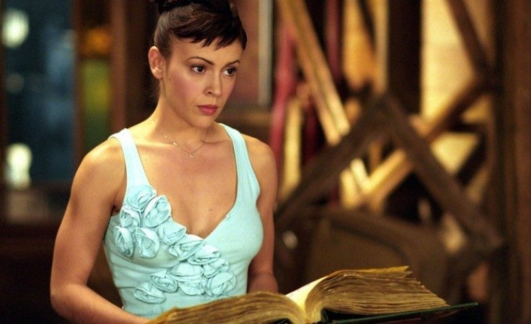 Alyssa Milano Signed On For The CW Pilot 'Insatiable'
