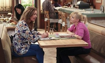 CBS Nearing Early Season 5 Renewal for 'Mom'
