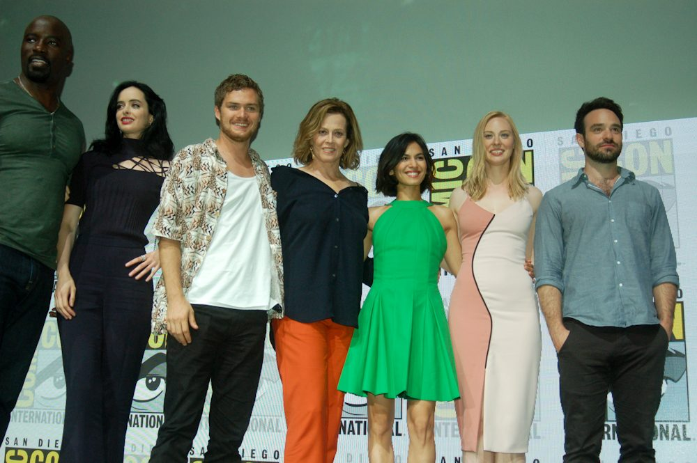Defenders-Cast-San-Diego-Comic-Con-2017-3