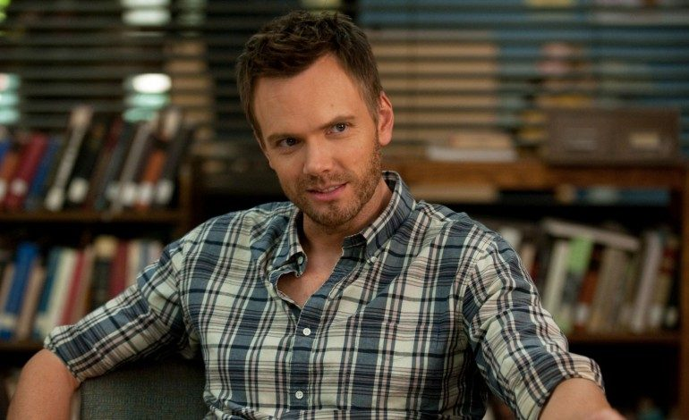 Joel McHale Returns to What He Does Best with New Netflix Talk Show