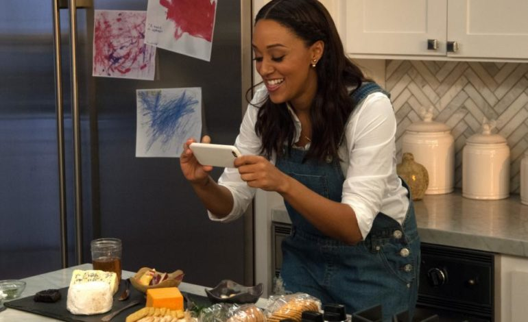 Tia Mowry Lands a Lead Role in New Show, 'Family Reunion,' on Netflix