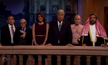Presidential Parodies as SNL Pays Tribute to Bush Senior and Indict Trump