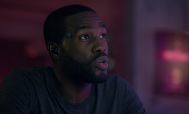 "'Black Mirror' Star Discusses the Complicated Intimacy in ""Striking Vipers"""
