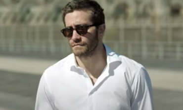 """Jake Gyllenhaal to Team Up with Janicza Bravo in TV Adaptation of """"A Suspense Novelist's Trail of Deceptions"""""""